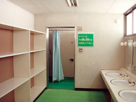 hanami_shower.jpg